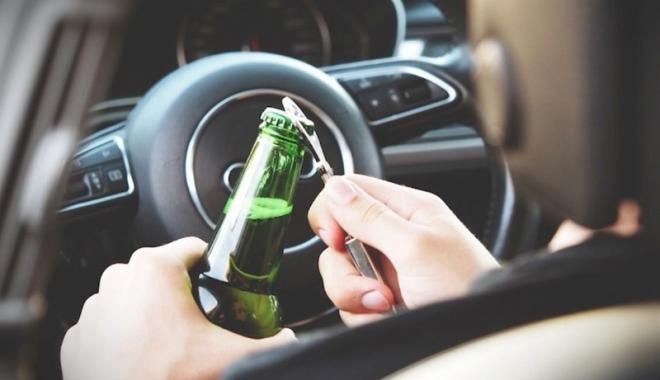 Foto: Şoferi băuţi  şi fără permis, prinşi  pe străzile  din Constanţa