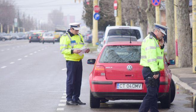Foto: A plouat cu dosare penale! Şoferi certaţi cu legea, prinşi în traficul constănţean