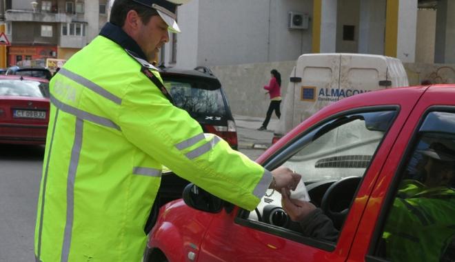 Foto: Dosare penale pentru şoferii beţi sau fără permis. Rutieriştii, pe urmele lor