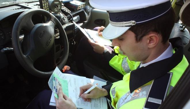 """Foto: Şoferii şi-ar putea pierde permisul  dacă nu-şi plătesc amenzile. """"Este  o propunere foarte eficientă și rațională"""""""