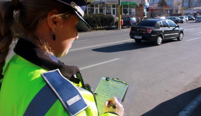 Foto: Şoferi constănţeni prinşi în ofsaid