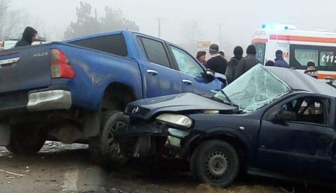 Foto: Șofer mort după ce a pierdut controlul direcției