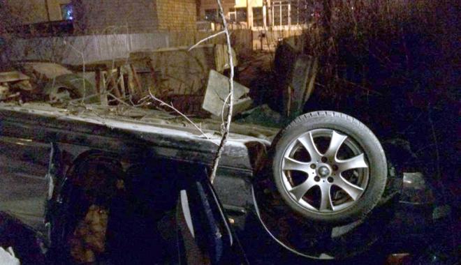 Foto: Grav accident rutier pe Podul IPMC. Şoferul se zbate între viaţă şi moarte