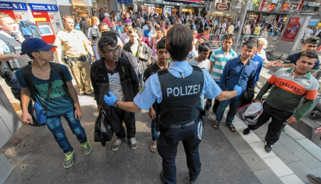 Foto: Alertă în Germania! Sute de solicitanţi de azil, verificaţi la sânge