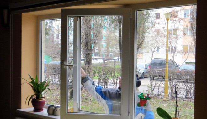 Foto: Soluție modernă  de la Zip Escort pentru protecția  locuinței: gratiile transparente