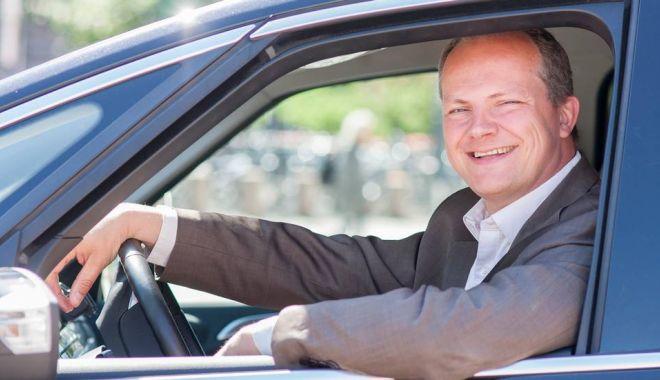 Foto: GEST IMPRESIONANT! Ministrul norvegian al transporturilor a demisionat pentru soţia sa!