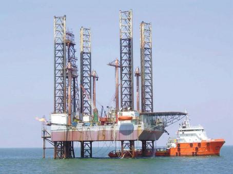 Foto: Începe extracția gazelor de mare adâncime, din Marea Neagră