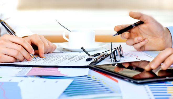 Sondaj BNR: Cererea pentru credite imobiliare va scădea în trimestrul 3 - sondaj-1598976566.jpg