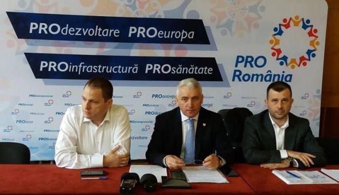 """Foto: Sondaj alegeri prezidențiale. """"Îl putem susține pe Tăriceanu dacă rupe alianța cu PSD"""""""