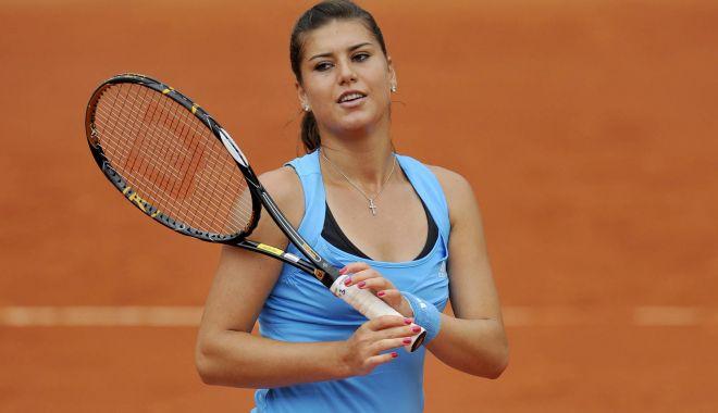 Foto: Tenis / Sorana Cîrstea s-a calificat în turul doi la Doha. Begu a fost eliminată