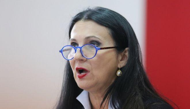 Sorina Pintea va propune retragerea acreditării a două spitale