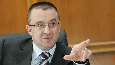 Foto: Fostul şef al ANAF, Sorin Blejnar, trimis în judecată