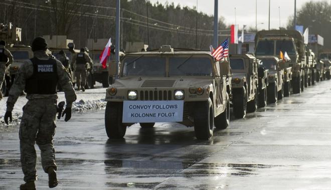 Sosirea militarilor americani, salutată în Polonia - sosirea-1484483604.jpg