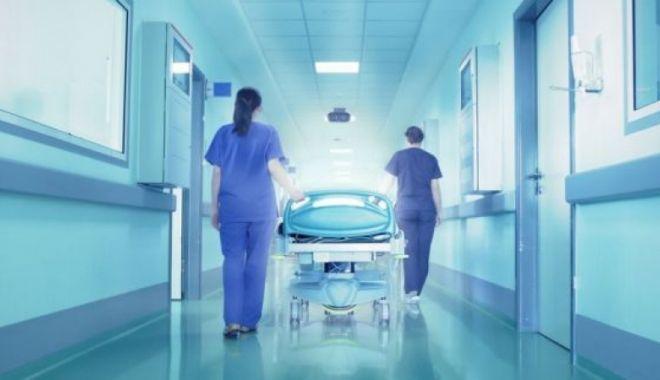 Foto: Pacient dat dispărut 24 de ore, găsit mort pe scările spitalului. Nimeni nu-l văzuse