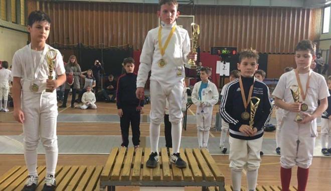 Foto: Argint pentru spada constănţeană,  la concursul internaţional  din Ungaria