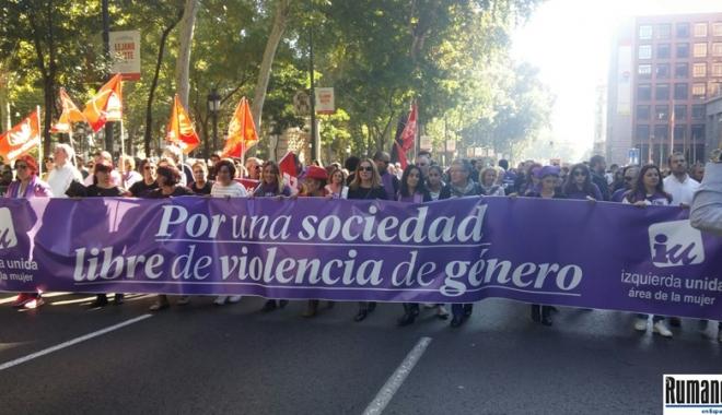 Foto: Spania: Mii de persoane  au protestat la Madrid faţă  de violenţele împotriva femeilor