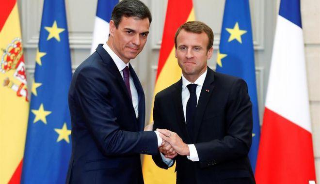 Foto: Spania şi Franţa propun centre de debarcare pentru imigranţi pe pământ european
