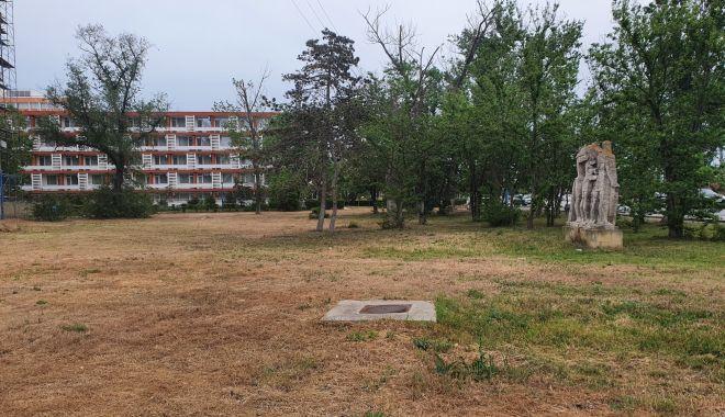 Foto: Spațiile verzi din Mamaia, scoase la vânzare, salvate de la