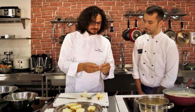 Foto: Specialist IT, direct în bucătărie. Pe mâna lui chef Dumitrescu