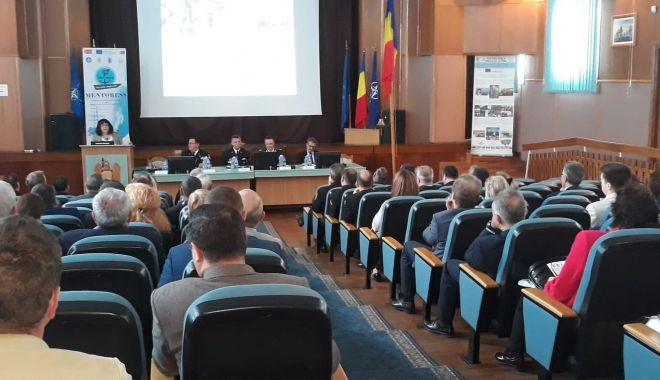 """Foto: Specialişti din 10 ţări, prezenţi la Academia """"Mircea cel Bătrân"""", la expoziția de tehnică navală"""