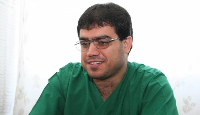 Specialiștii ISIS ajută cuplurile infertile să trăiască bucuria de a deveni părinți - specialistiiisisdoctormohamedzah-1416931412.jpg