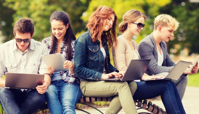 Foto: Specializări noi pentru studiile universitare