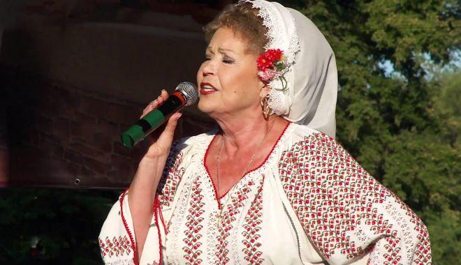 Spectacol folcloric la Casa de Cultură din Constanța - spectacol-1573258812.jpg