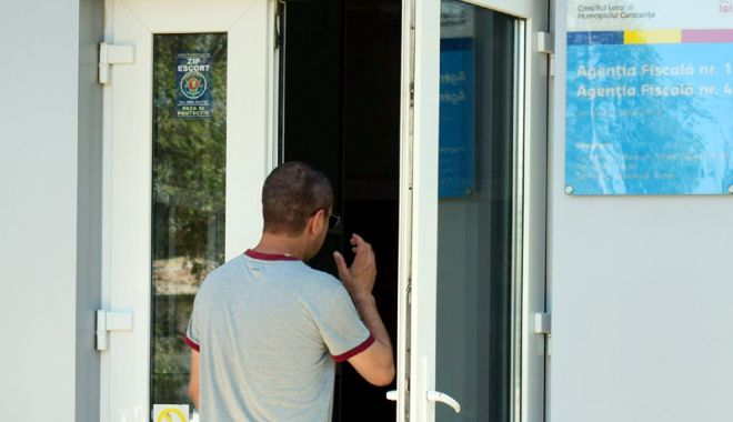 Foto: Tranzacţii auto, la SPIT Constanţa
