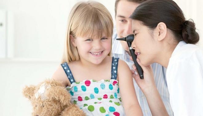 Foto: Tratamente de ultimă generaţie pentru copiii cu probleme auditive
