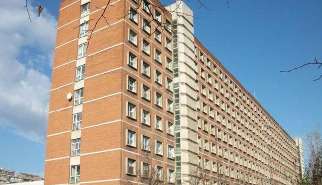Un bărbat a murit după ce s-a aruncat de la etajul 8 al Spitalului Județean Galați - spital-1634213097.jpg