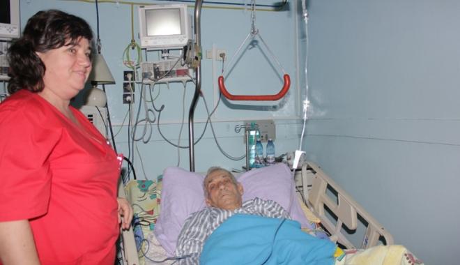 Foto: Spitalul CF Port, în colaps financiar. Pacienţii, internaţi cu medicamente de-acasă