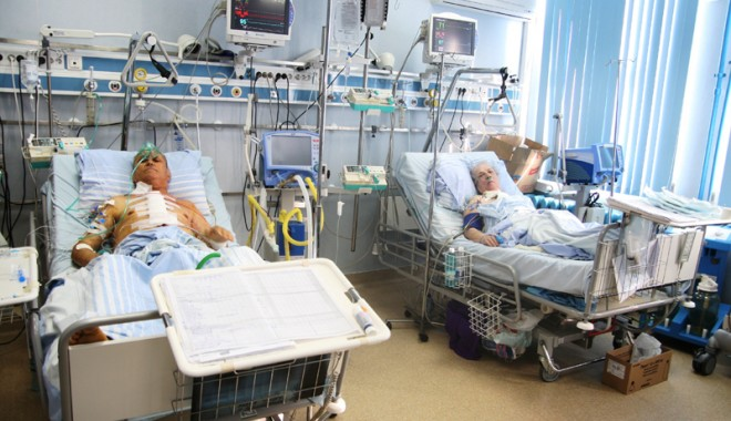 Foto: Medicii din Constanţa se laudă cu pacienţii trataţi în Bucureşti