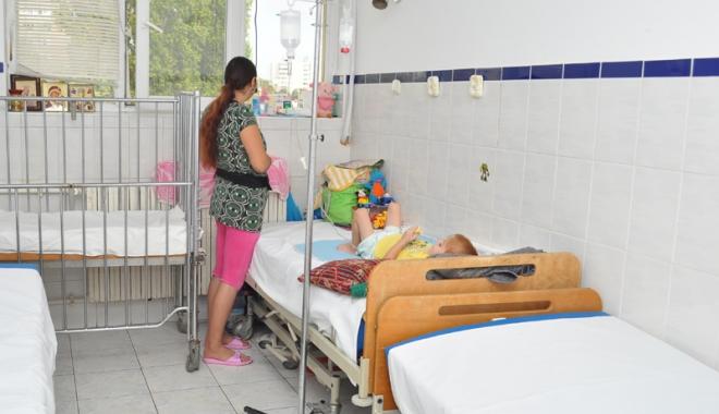 Foto: Căpuşele atacă din nou! Zeci de persoane muşcate au luat cu asalt Spitalul de Boli Infecţioase