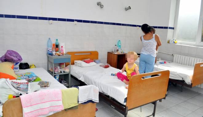 Foto: Igienizarea din spitalele constănţene, verificată de aleşii judeţeni