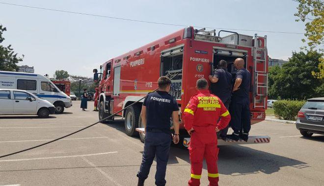 Foto: GALERIE FOTO / INCENDIU LA Spitalul CF Port