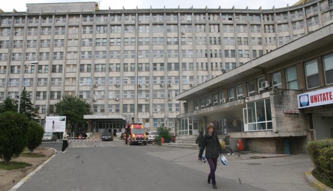 Foto: Urgenţa, asaltată de bolnavi