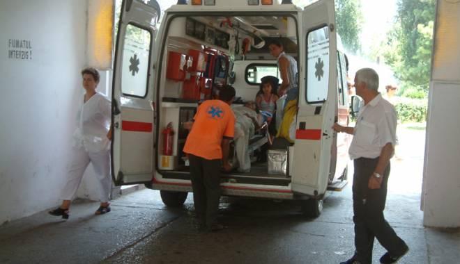 """Foto: Spitalul Judeţean şi Ambulanţa, """"sufocate"""" de beţivi şi bătăuşi!"""
