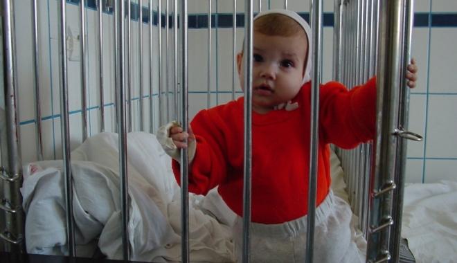 Foto: Copiii au umplut Spitalul de Urgenţă