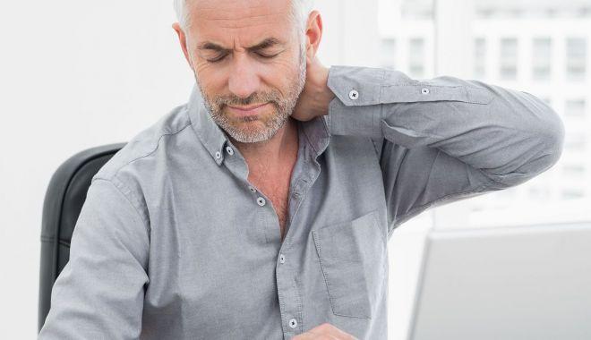 Ce afecţiune vă pândeşte când petreceți mult timp pe scaun și la birou - spondiloza-1555921798.jpg
