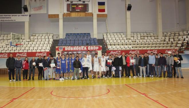 """Ei sunt premianţii Festivalului """"Student Sport Fest"""" - sportfestival1-1355679688.jpg"""