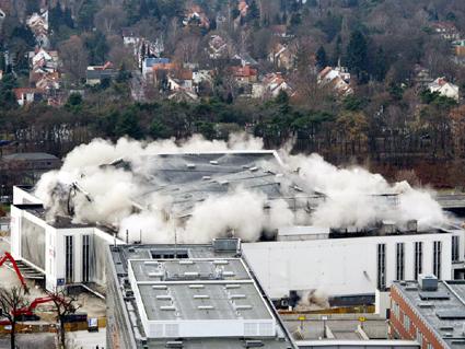 Foto: Stadionul-simbol al regimului nazist  a fost demolat