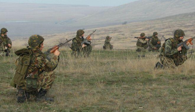 Foto: Susţin stagiul militar obligatoriu! Învăţăm să supravieţuim sau stăm cu mâinile încrucişate?