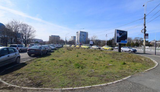 Foto: Staţia de autobuze de la Poarta 2, mutată temporar