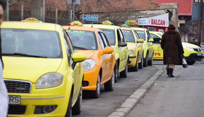 Vin zile grele pentru taximetriști! Primăria a pregătit sancțiuni drastice și uniforme! - statietaxi-1612808759.jpg