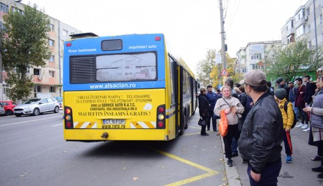 Foto: Zece staţii noi  pe mai multe linii ale autobuzelor RATC