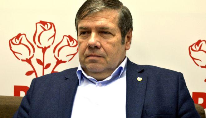 Foto: Senatorul Ștefan Mihu îi ia la întrebări pe miniștri: