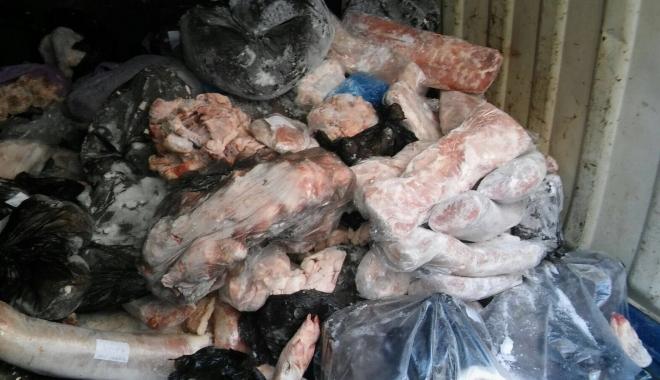 Foto: Patroni amendaţi şi produse retrase de la comercializare în staţiunile de pe litoral