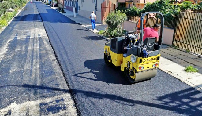Foto: Administraţia locală a reabilitat strada Nehoiului din cartierul Km 4