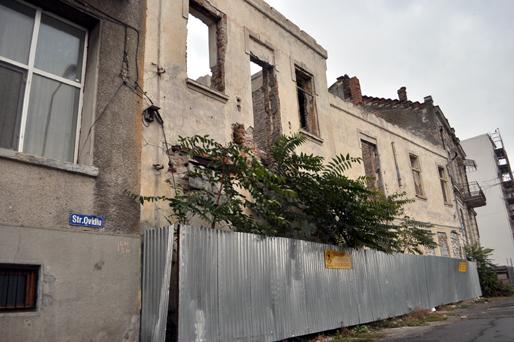 Istorie îngropată în gunoaie - stradaovidiupeninsula59-1321290218.jpg