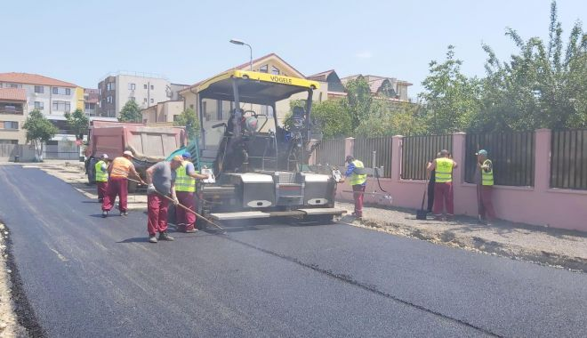 Foto: Atenție unde parcați! Mai multe străzi din Constanța se asfaltează
